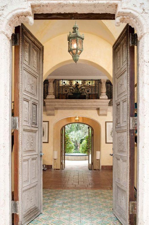 196-Banyan-Foyer